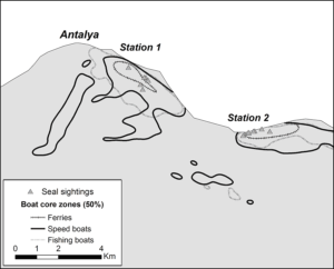 Figure 2. Seal sightings overlaid with the core zones of fishing, speed, and tour boats. Boat presence core zones were delimited at 50% contour, where boat density through time is higher.